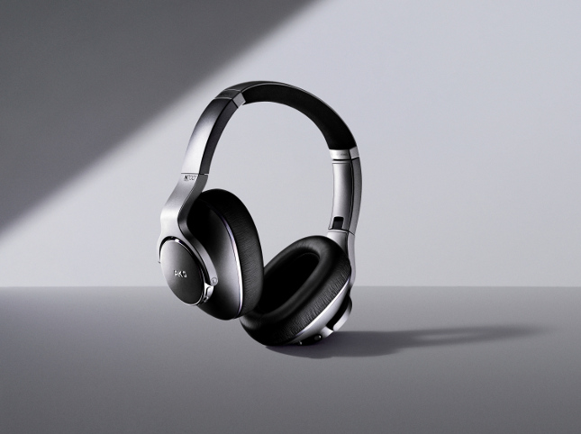 Samsung brings three new AKG headphones to the United States