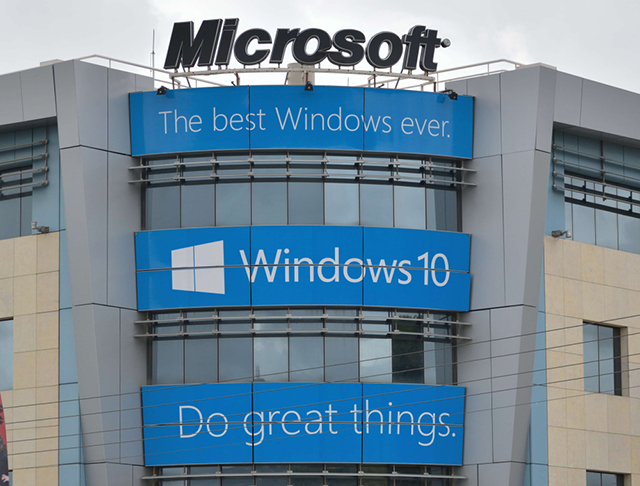 Windows 10 edges out Windows 7 as most popular operating system