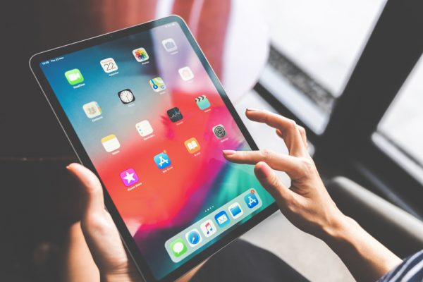 Apple confirms some people's suspicions that the new 2018 iPads can bend