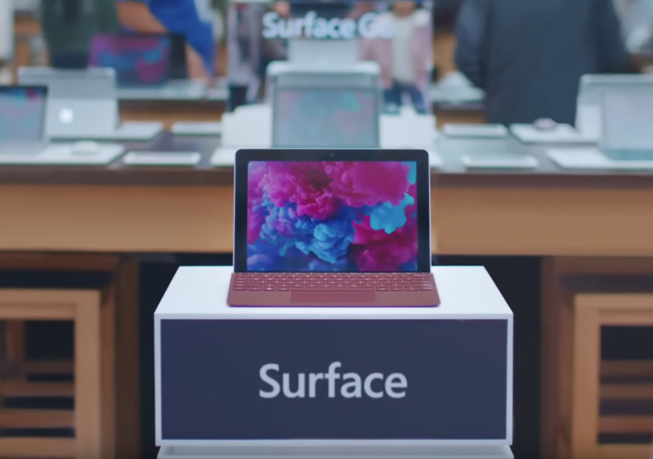Microsoft pokes fun at iPads in Surface Go holiday ad