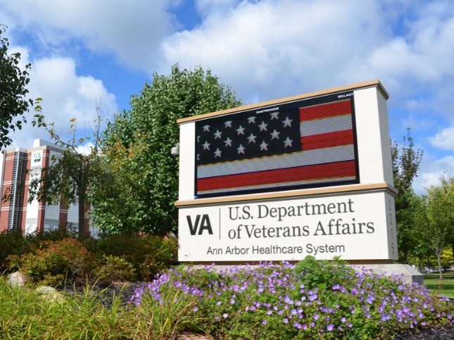 Apple, VA to Let Veterans Access Their Health Records on iPhone