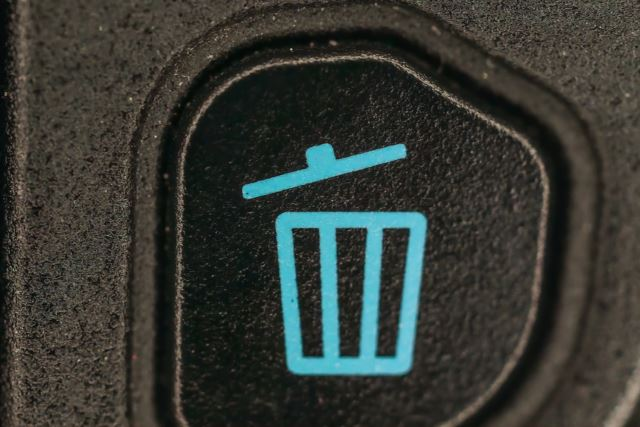 Trash can button