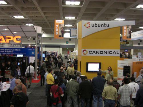Canonical's Ubuntu booth at LinuxWorld San Francisco 2008