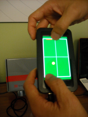 Synaptics' demonstration of 'Two-player Tennis Lite,' showing off multitouch sensitivity.