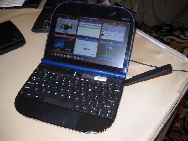 Lenovo Skylight ARM-based smartbook with Snapdragon hardware