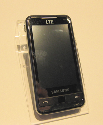 Samsung's LTE prototype phone shown at CTIA, March 2010
