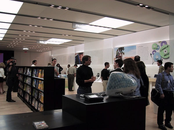 Steve Jobs inside first Apple Store